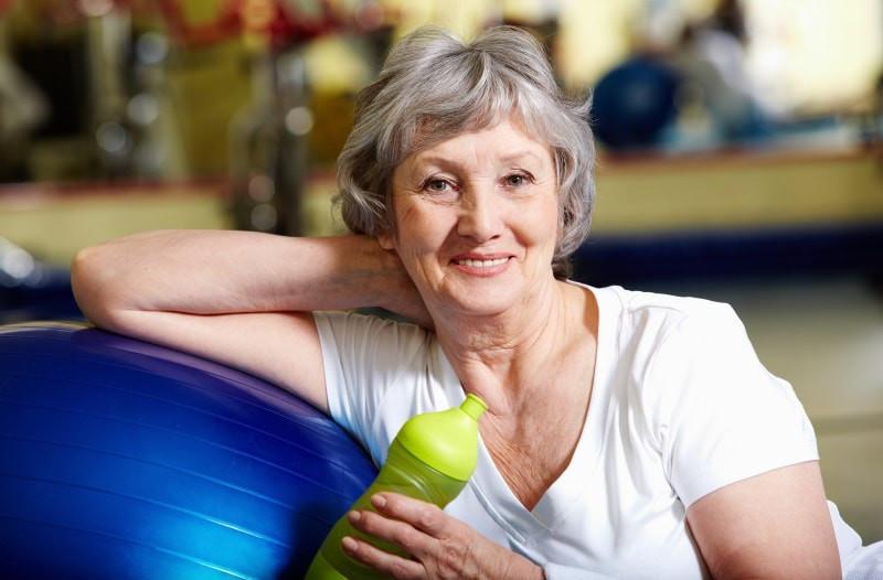 Bewegung und gemäßigter Sport ist für Senioren sehr wichtig, um auch im Alter eine hohe Lebensqualität zu genießen.