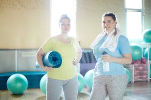© colourbox - Fitness und Sport mit Übergewicht
