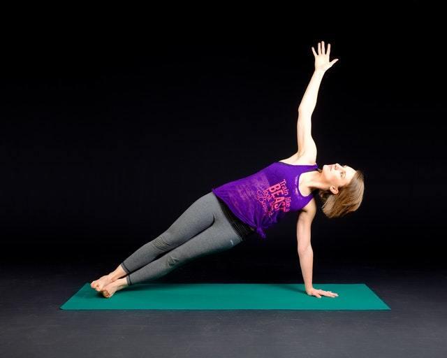 Core Training ist grundlegend wichtig für eine starke Körpermitte.